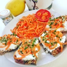 Möhren-Kresse-Sandwich